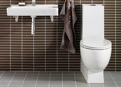 Laga toalettstol