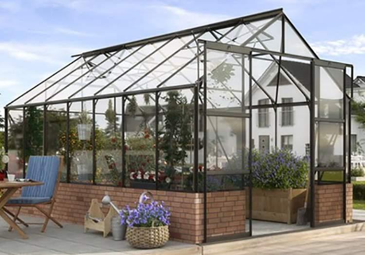 växthus med murad grund